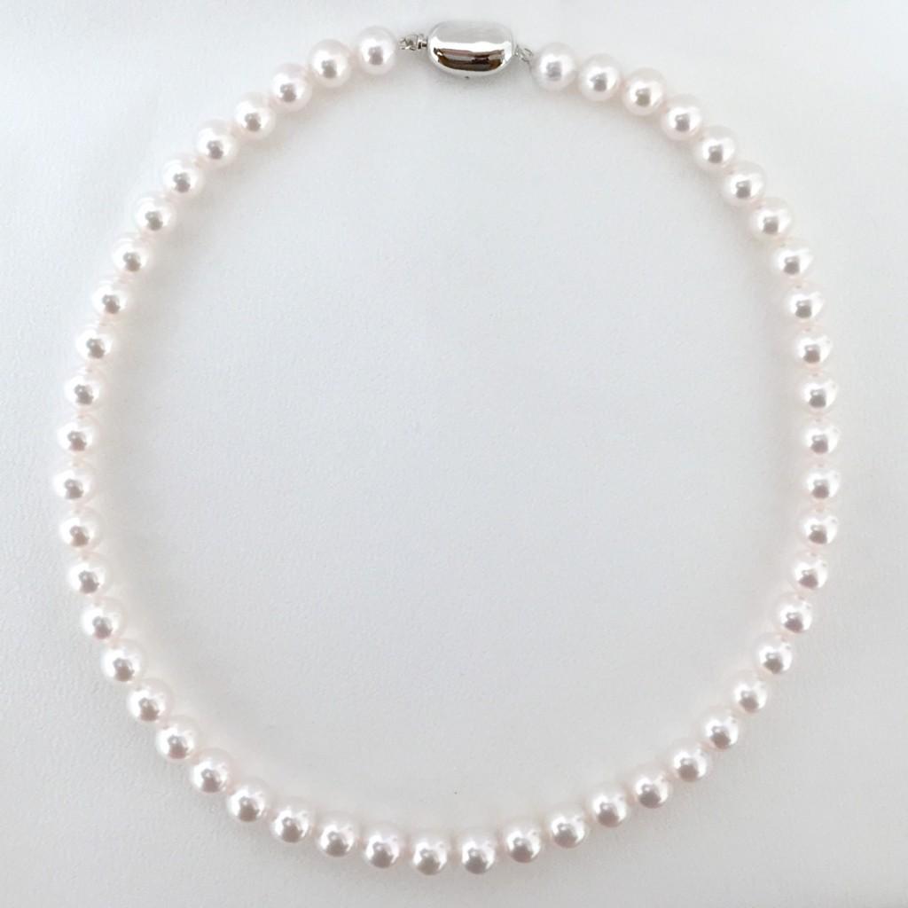 14グラデーションタイプとユニフォームタイプ、真珠のネックレスにある2つのタイプを知ろう!!